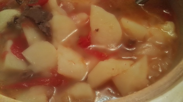 牛腩土豆番茄煲,冬季暖身良汤