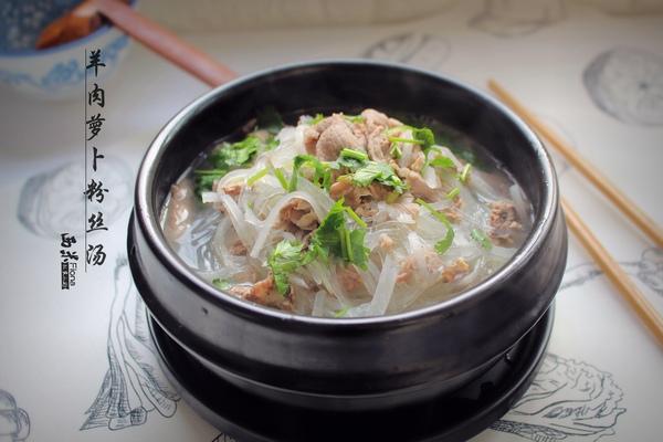 热气腾腾的暖身汤,饭菜全解决,超省事儿