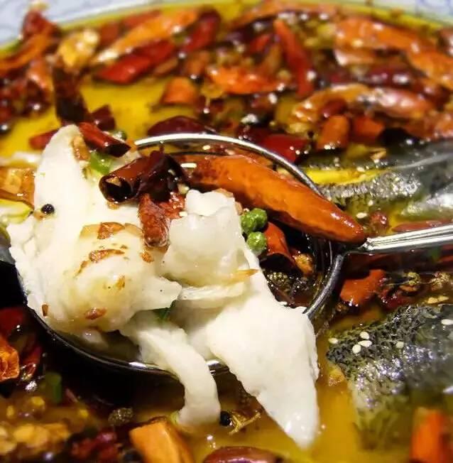 除了阿强酸菜鱼 这七家火爆了的酸菜鱼不可不试