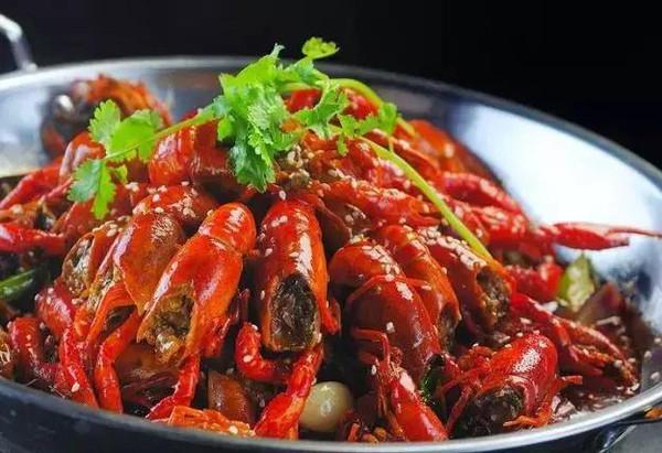 自己动手,香辣小龙虾在家也能吃!