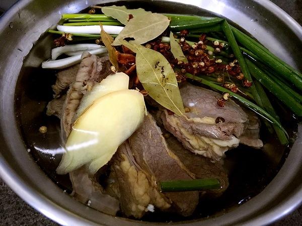 日日阴雨天,来碗暖心淮山红萝卜清炖牛腩汤