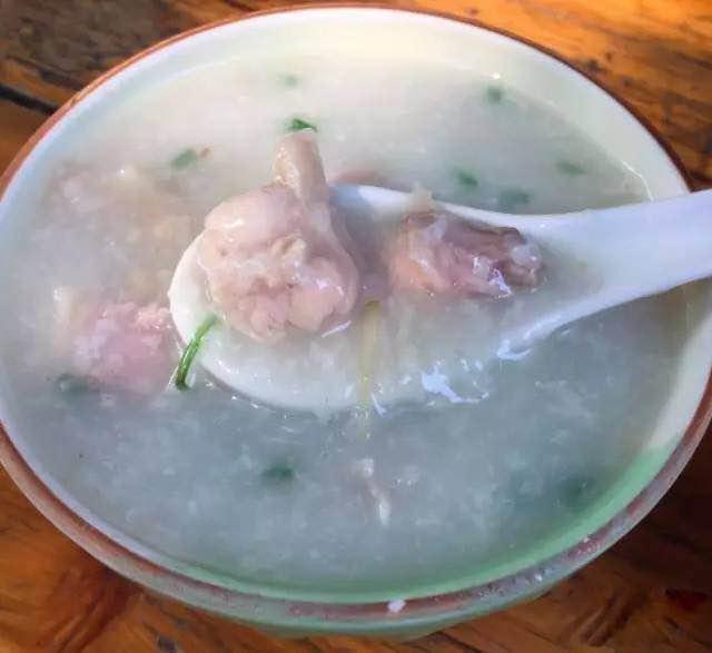 香、嫩、滑,广州殿堂级的美味滑鸡粥推荐