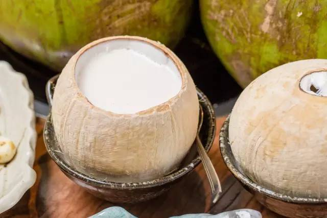 清甜椰子还你一个清爽夏天!这些广州特制椰子料理你吃过么?