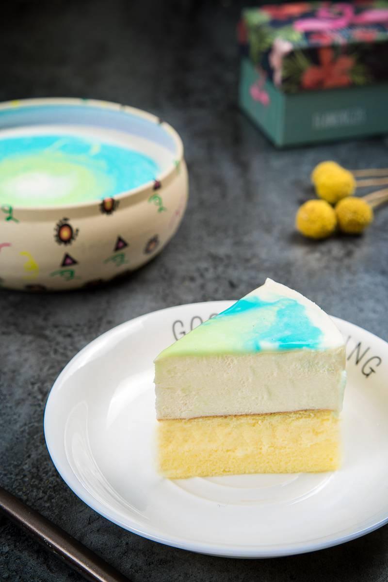 日销3660盒,刷爆广州人朋友圈的镜面星空蛋糕来啦!