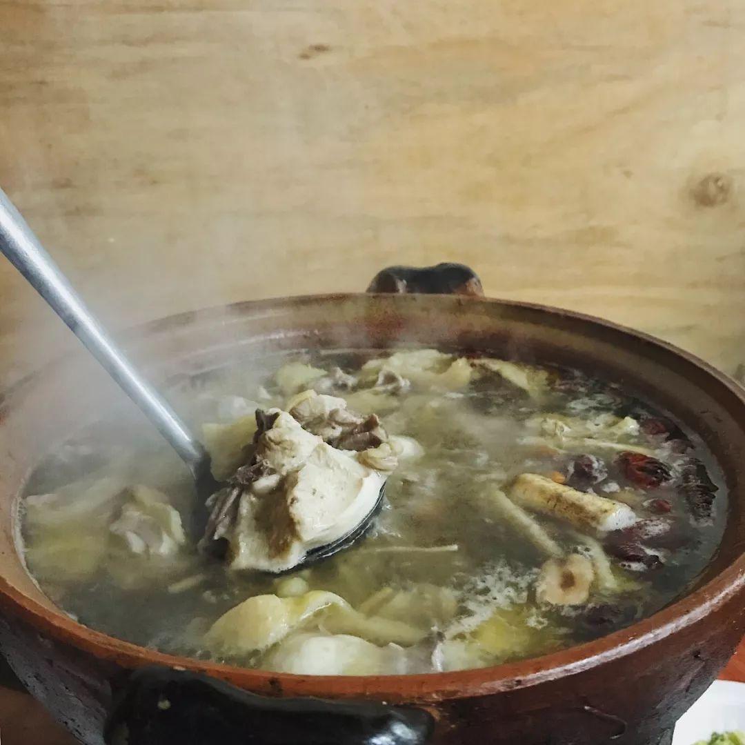未见其煲先闻其香,荔湾如此美味的鸡煲你吃过么?